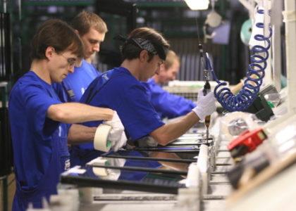 Miniatura per l'articolo intitolato:Gli operai salvano le aziende venete dal fallimento, la Legacoop non li lascia soli